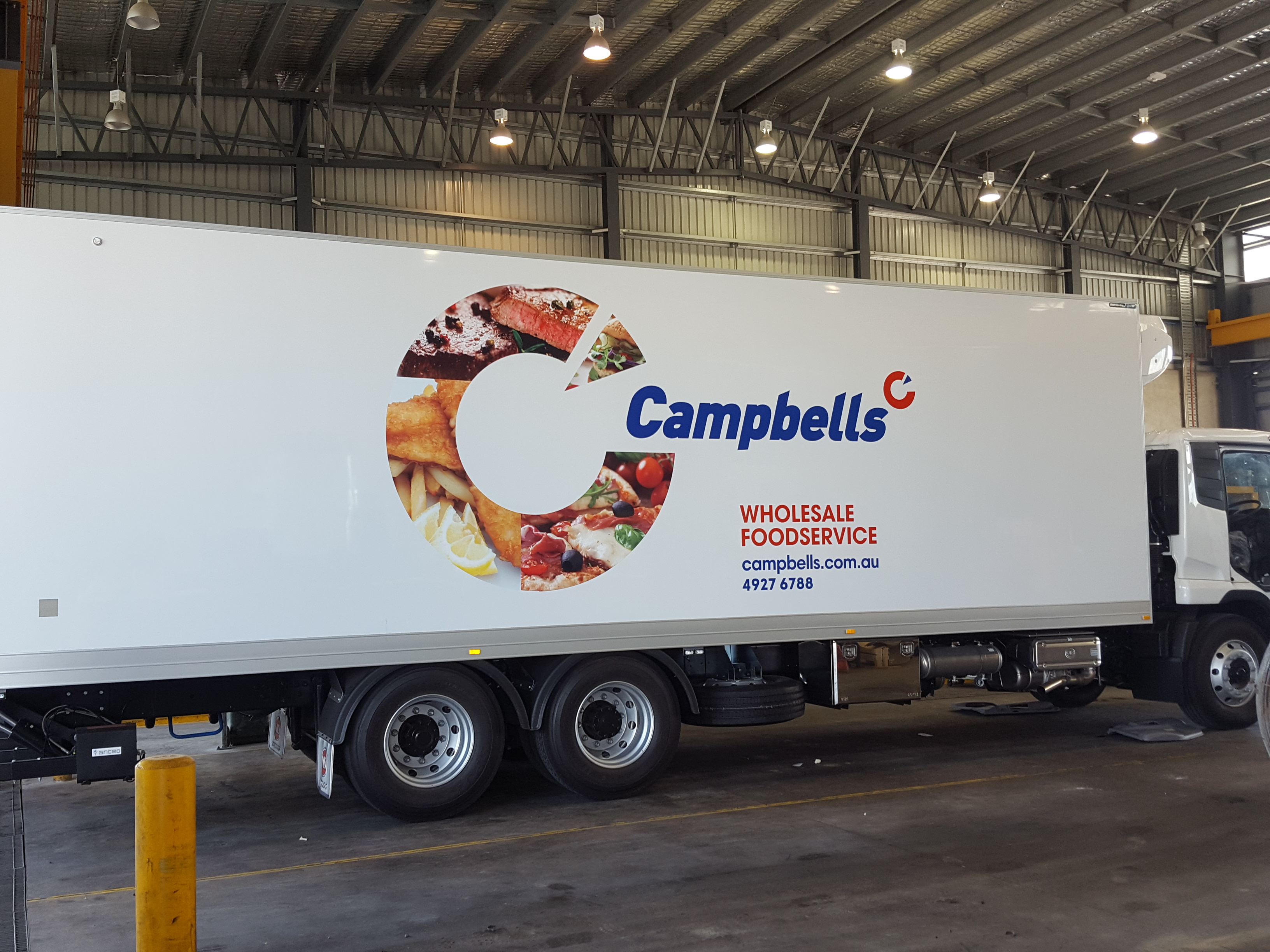 campbells wholesale food service truck with truckskinz advertising wrap application